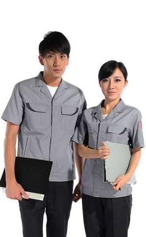 平驳领灰色工服