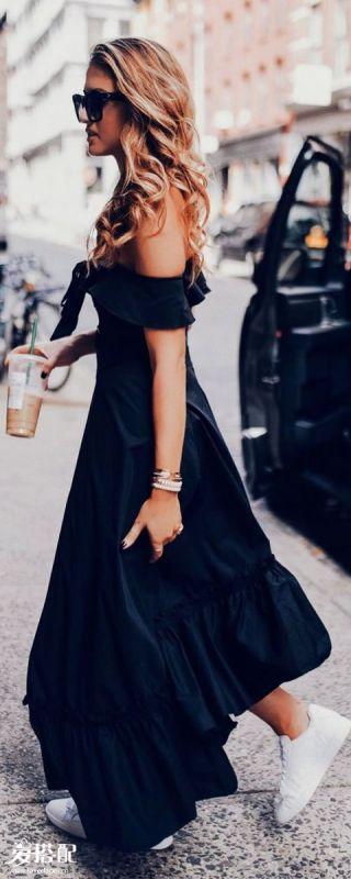 一字肩连衣裙+球鞋