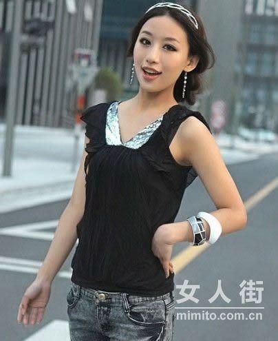 街拍轻熟女夏天时尚潮流装扮